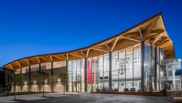 Auch das St.Georg's College in Surrey setzte auf das Know-how der Wiehag. (Bild: Hundven-Clements Photography)