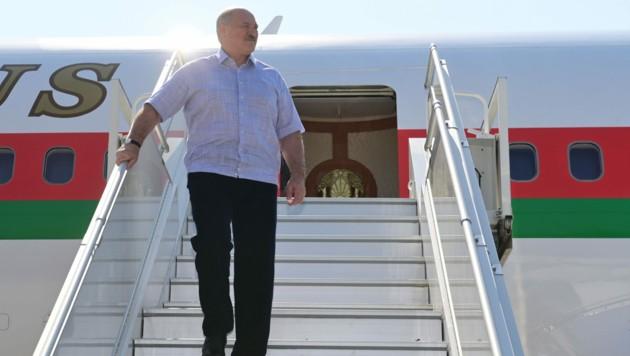 Der weißrussische Präsident Alexander Lukashenko hat die Grenzen zu Polen und Litauen geschlossen. (Bild: AFP)