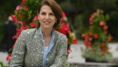 Nach einem Corona-Fall in ihrem Kabinett ist die Bundesministerin für EU und Verfassung, Karoline Edtstadler, in Heimquarantäne. (Bild: APA/BARBARA GINDL)