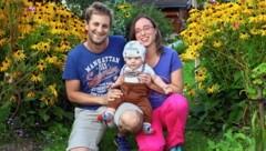 Papa Ronny, Mama Christine und der süße kleine Fabian (Bild: Roland Hölzl)