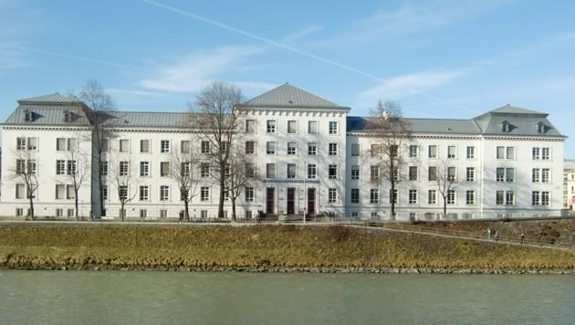 Auch drei Klassen am Christian-Doppler-Gymnasium sind von der Verordnung betroffen (Bild: Honorar)