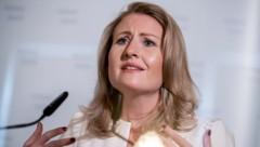 """Frauenministerin Susanne Raab: """"Jeder Gewaltakt einer zu viel ist und hat in unserer Gesellschaft keinen Platz."""" (Bild: APA/Georg Hochmuth)"""