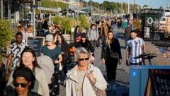 Stockholm am 19. September 2020: Masken gehören nicht zum Alltagsbild in Schweden. (Bild: AFP)