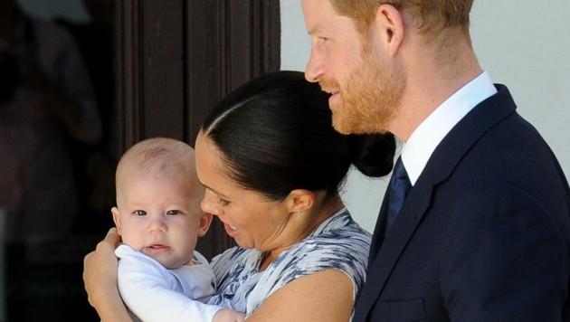 Herzogin Meghan und Prinz Harry mit Baby Archie (Bild: APA/AFP PHOTO/HENK KRUGER/AFRICAN NEWS AGENCY (ANA)/POOL)