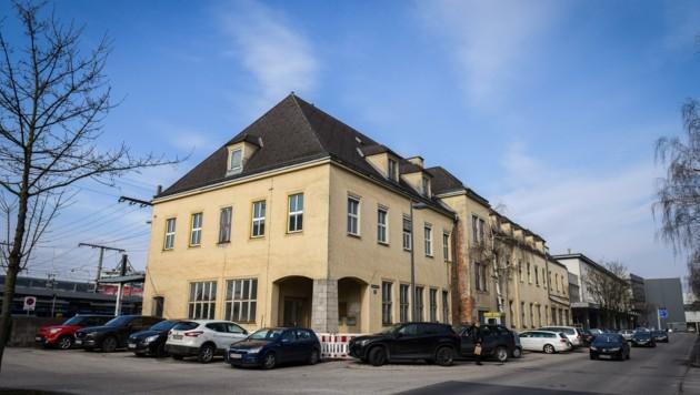 In Wels soll das alte Postgebäude Uni-Hörsälen weichen (Bild: Wenzel Markus)