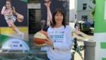 Vanessa Ellis hat das Grazer Basketball in ihrer Hand. (Bild: Michael Gratzer)