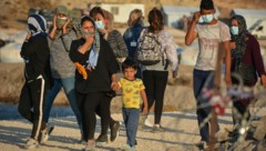 Flüchtlinge im Camp Kara Tepe auf Lesbos (Bild: Copyright 2020 The Associated Press. All rights reserved)