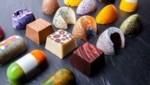 Die Pralinen gibt's in diversen Formen und Farben – jede ist ein Einzelstück. (Bild: CR-Choclate/companylifting)