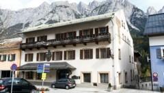 Das große Gasthaus steht mitten im Werfener Ortszentrum (Bild: Gerhard Schiel)