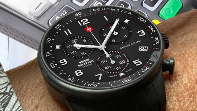 Das Saphirglas mit Bezahlchip macht aus jeder Uhr ein kontaktloses Zahlungsmittel. (Bild: Winwatch)