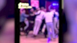 Screenshot aus einem von mehreren Videos, die derzeit aus anonymen Quellen Medien zugespielt werden. Zum einen sieht man dichtes Treiben auf der Tanzfläche, in anderen Szenen geht es allerdings weit gesitteter zu - auch Aufnahmen von Fiebermessungen zur Corona-Prävention machten bereits die Runde. (Bild: zVg, krone.tv)