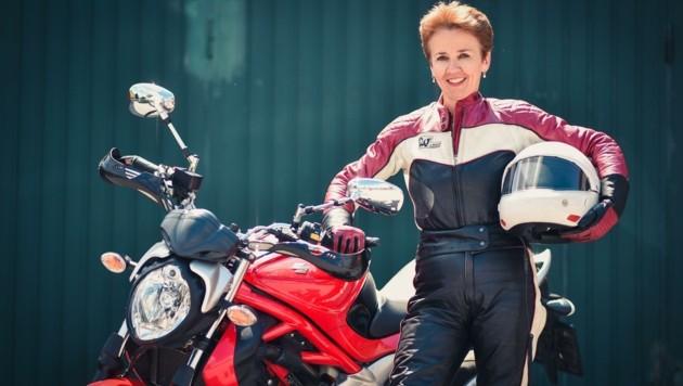 """""""Bei den Damen ab 40 Jahren boomt der Motorradschein"""", freut sich Fahrschulchefin Marietta Aschauer (Bild: Wenzel Markus)"""