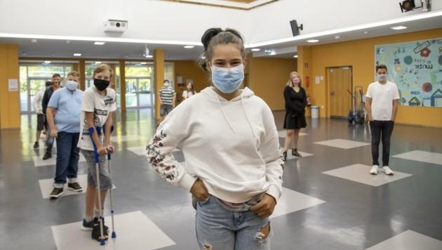 In der Neuen Mittelschule Grödig gilt ohnehin seit Schulstart Maske auf und Abstand halten (Bild: Berger Susi)