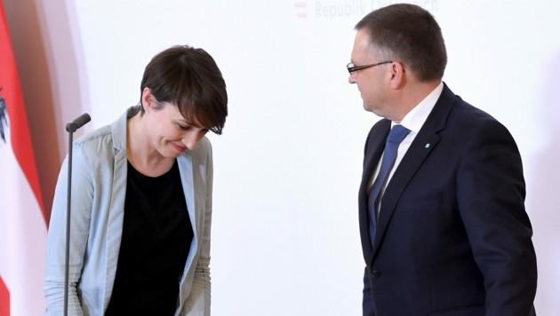 Die Klubchefs von Grünen und ÖVP, Sigrid Maurer und August Wöginger (Bild: APA/Roland Schlager)