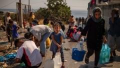 Der international erfolgreiche Fotograf will nun mit seinem Projekt Flüchtlingen in Moria direkt helfen. (Bild: ANGELOS TZORTZINIS)