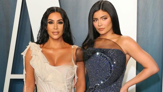 Kim Kardashian und Kylie Jenner (Bild: AFP)