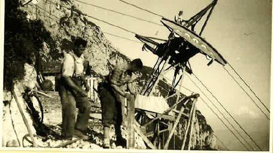 Die Bauarbeiten zur Seilbahn (Bild: Eisriesenwelt)