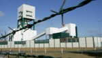 Der abgesperrte Bereich um das Erkundungsbergwerk Gorleben (Bild: Associated Press)