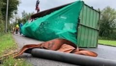 Lkw umgestürzt (Bild: Markus Tschepp)