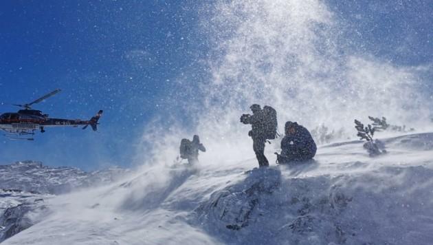 Die Heli-Rettungsaktion am Sonntag beim Steinernen Meer (Bild: Bergrettung Saalfelden)