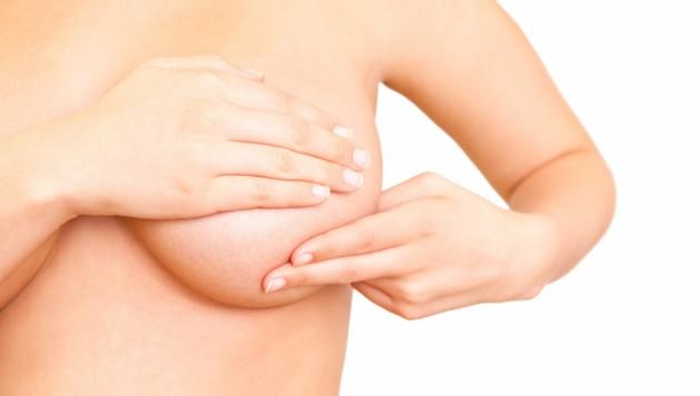 Tasten und Mammografie. (Bild: detailblick-foto/stock.adobe.com)