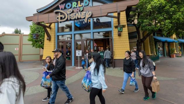 Ein Disneyland-Vergnügungspark im kalifornischen Anaheim im März 2020 (Bild: AFP)