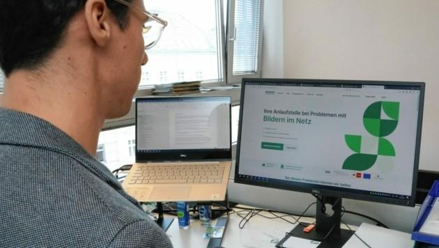 Beratung und konkrete Hilfe bieten die Expertinnen und Experten der Internet Ombudsstelle. (Bild: Jöchl Martin)