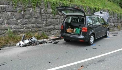 Erst vor rund drei Wochen starb ein junger Motorradfahrer (27) nach einem Unfall in Hallein (Bild: Freiwillige Feuerwehr Hallein)