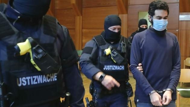 Der Angeklagte im Prozess (Bild: Christof Birbaumer)