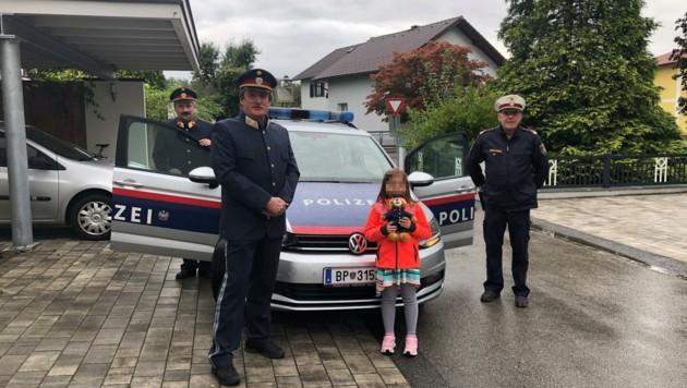 Für ihr vorbildliches Verhalten wurde Sophie von Polizisten gelobt. (Bild: privat, krone.at)