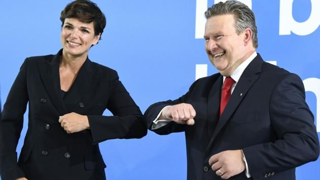 SPÖ-Chefin Pamela Rendi-Wanger lobte Wiens Bürgermeister Michael Ludwig (SPÖ) für die kostenlose Grippe-Impfung und fordert diese für ganz Österreich. (Bild: APA/ROBERT JAEGER)