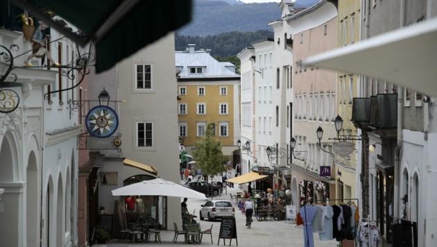 Die Corona-Ampel steht im Tennengau auf Orange. In der Stadt Hallein und den restlichen Gemeinden hat das vorerst aber keine Auswirkungen. (Bild: Tröster Andreas)