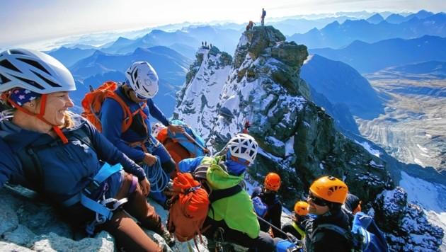 Bergsteiger auf dem Großglockner. Im Hintergrund der Kleinglockner. (Bild: Wallner Hannes)