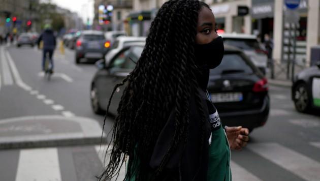 In fast allen europäischen Ländern steigen die Infektionszahlen gerade rasant an - wie auch in der französischen Hauptstadt Paris (Bild). (Bild: AP)