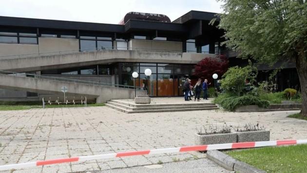 Die Sanierung des Hallenbad in Neusiedl am See wird teuer. (Bild: Reinhard Judt)