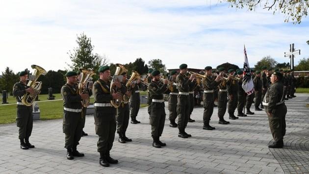 Die Militärmusik Burgenland sorgte für die musikalische Begleitung der Trauerfeier (Bild: P. Huber)