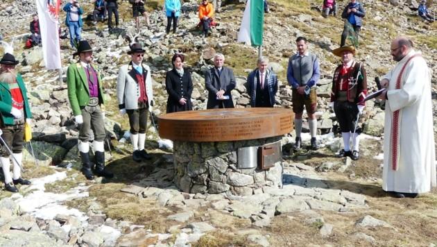 In Klausen wurde das Denkmal eingeweiht. (Bild: Alois Nagler)