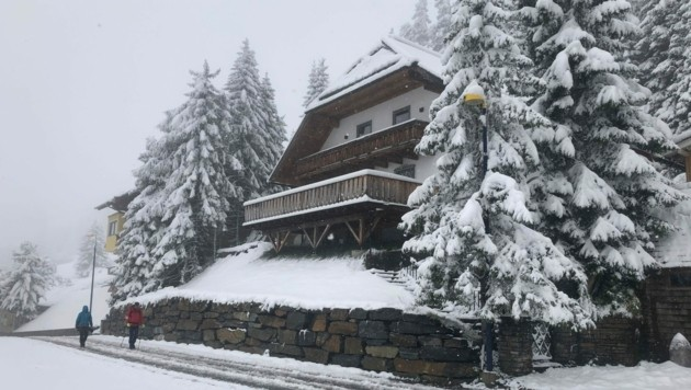 Am Katschberg gab es am Sonntagmittag bereits 20 Zentimeter Neuschnee. (Bild: Roland Holitzky)