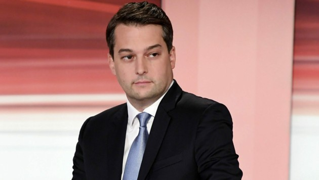 Schwer geschlagen: Wiens FPÖ-Spitzenkandidat Dominik Nepp (Bild: APA/Helmut Fohringer)
