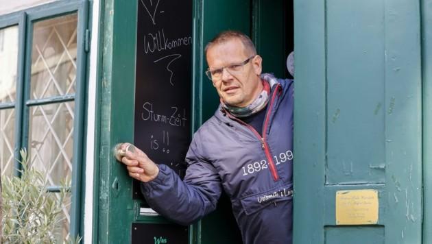 Roland Gruber wünscht sich, bald länger öffnen zu dürfen (Bild: Tschepp Markus)