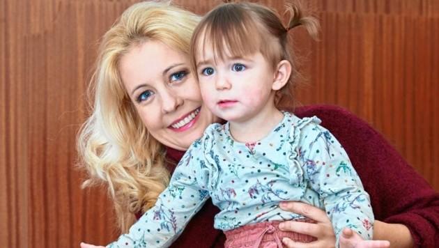 Iva Schell mit Tochter Viktoria (Bild: Starpix/ Alexander TUMA)