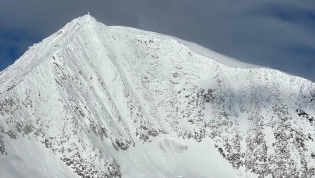 Der Bergretter stürzte über die Nordwestwand ab. (Bild: Alpinpolizei Tirol)