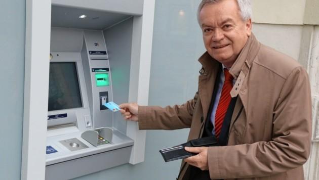 """Finanzreferent Anton Lang (SPÖ) braucht """"frisches"""" Geld, um die Coronakrise bewältigen zu können. Der Schuldenberg des Landes wächst weiter an. (Bild: Christian Jauschowetz)"""