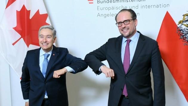 Außenminister François-Philippe Champagne und dessen österreichischer Kollege Alexander Schallenberg (Bild: APA/HELMUT FOHRINGER)