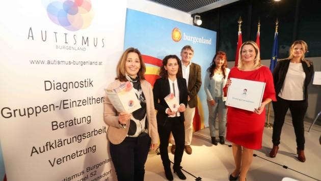 Landesrätin Winkler (Zweite von rechts) bei der Präsentation (Bild: Judt Reinhard)