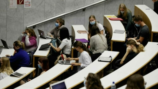 Vor allem bei den Sprachen und im Lehramt sind die Studenten-Zahlen dieses Jahr gestiegen. (Bild: Markus Tschepp)