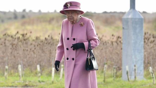 Queen Elizabeth absolvierte den ersten Auftritt seit dem Corona-Lockdown. (Bild: AFP)