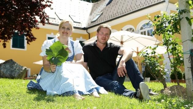 Die Geschwister Bettina-Maria und Reinhard Brolli und (Bild: Weingut Brolli)