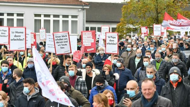 Am 15. Oktober wurde gegen die Schließung in Steyr demonstriert (Bild: Harald Dostal)