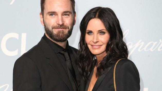 Courteney Cox mit ihrem Verlobten Johnny McDaid (Bild: www.PPS.at)